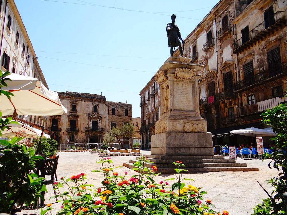La Piazza Bologni. Origini e fortune di una famiglia siciliana
