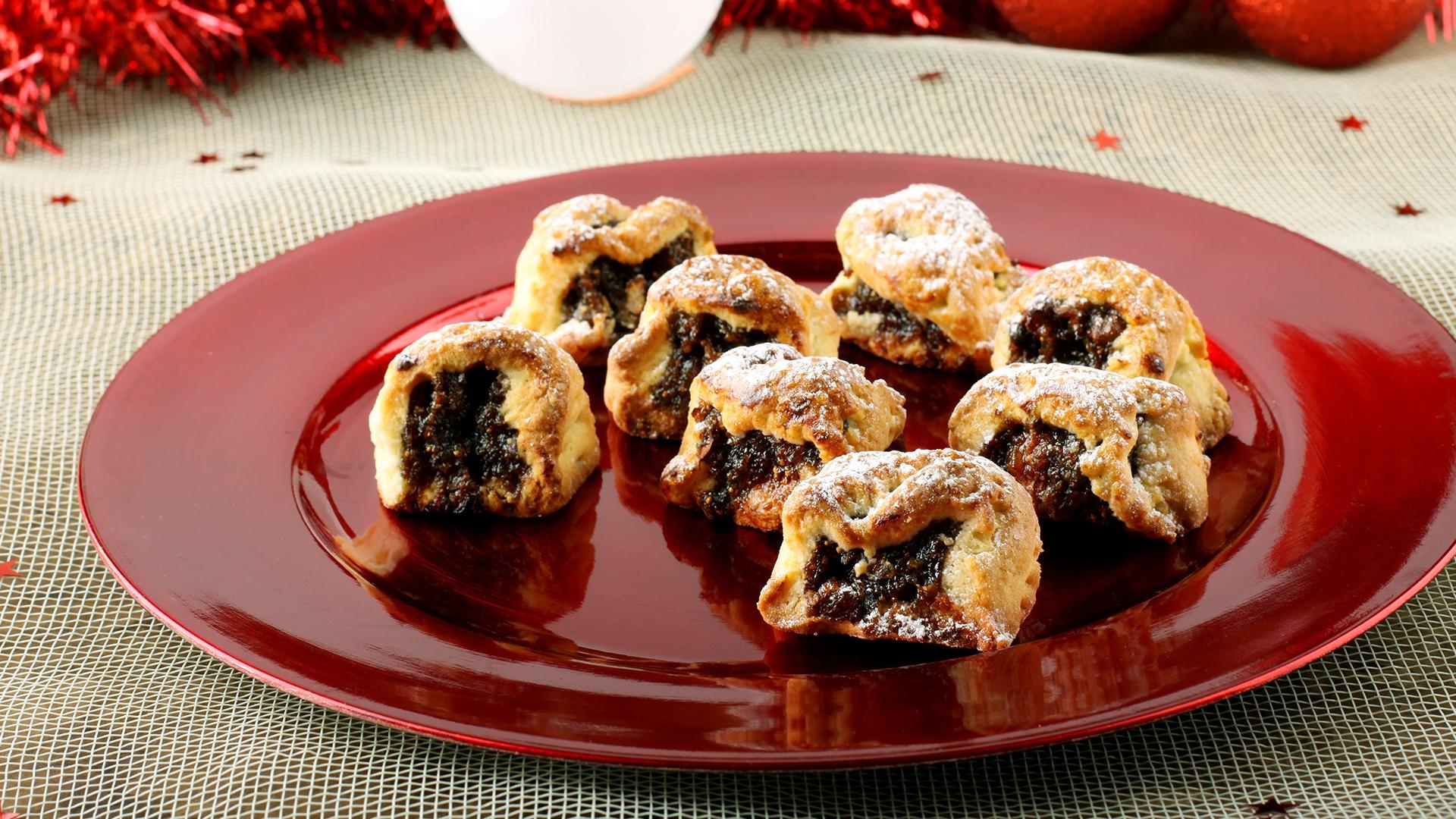 Buccellato o cucciddatu? Qualche idea sull'origine del nome del dolce siciliano natalizio