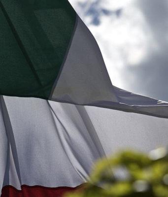 saluto bandiera draghi