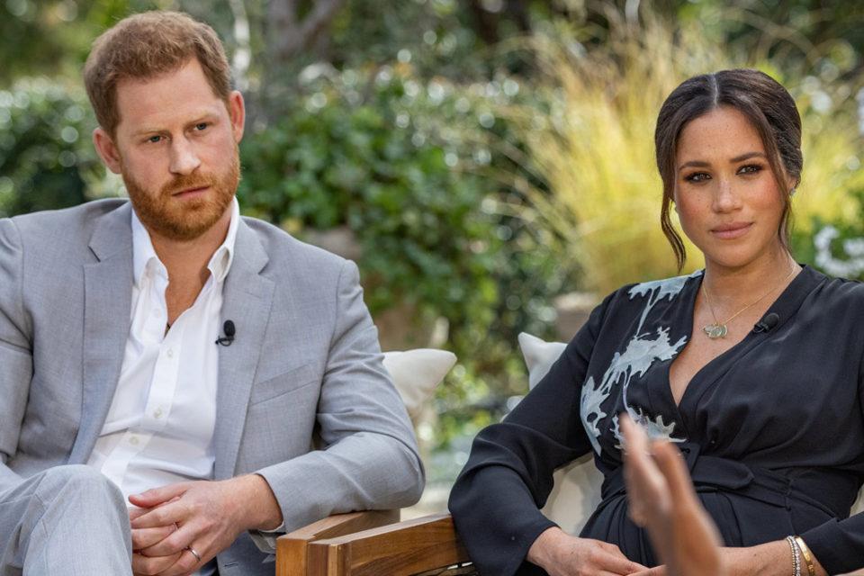 Il caso Harry e Meghan, il matrimonio reale, l'addio a Buckingham Palace, e ora le accuse di razzismo alla famiglia Windsor. La reazione della regina Elisabetta II dopo l'intervista di Oprah Winfrey, in onda anche in Italia.
