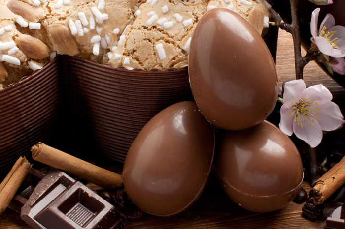 I dolci tipici Pasquali: le uova e la colomba