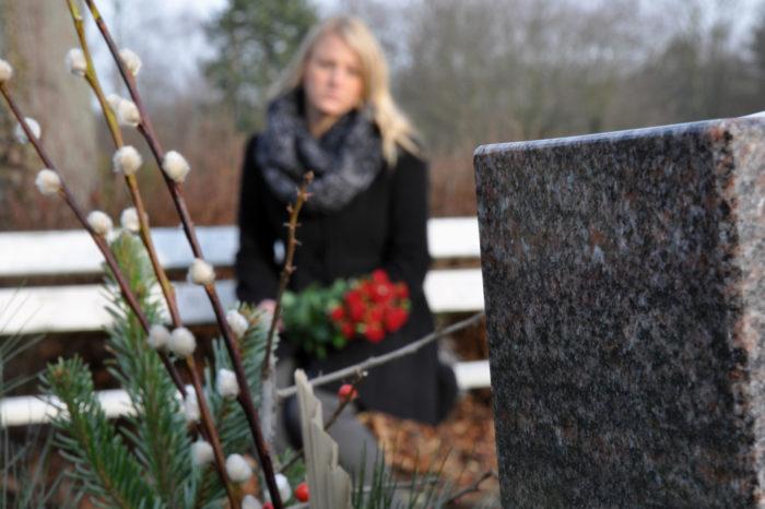 La morte e quei rituali di passaggio che la pandemia azzera